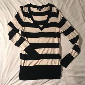 Black and cream striped v neck sweater size xl